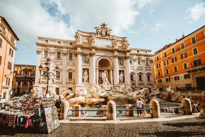 DE LA ROME PAÏENNE À LA ROME CHRÉTIENNE